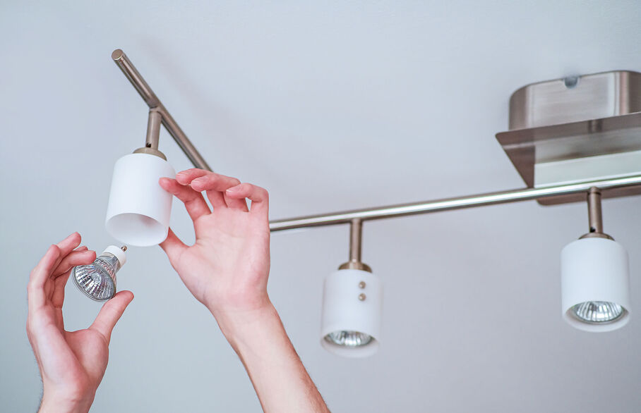 Lights out for high energy bulbs this autumn