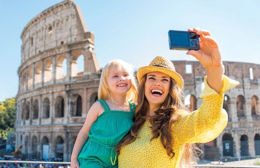 Avoid a burglary by not posting holiday snaps on social media