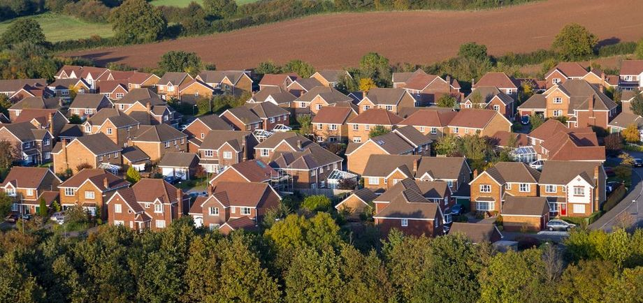 Annual house prices rise by 8.2%