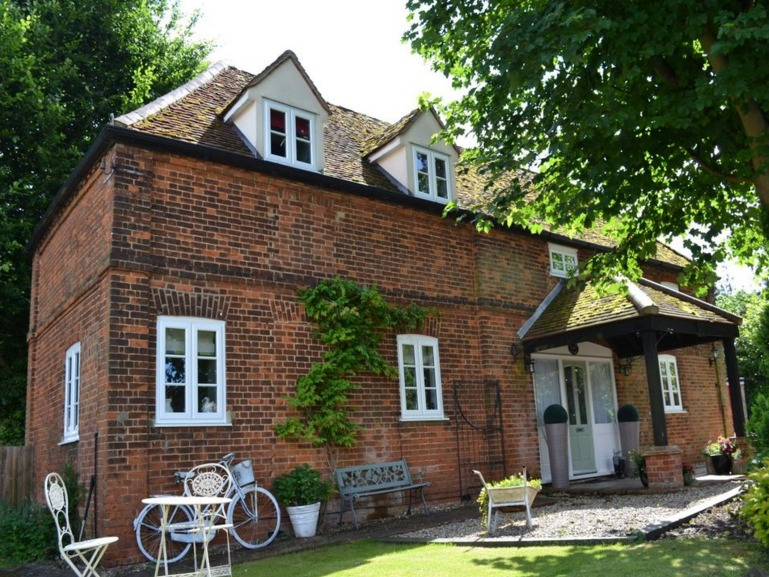 A slice of Period living in Old Harlow