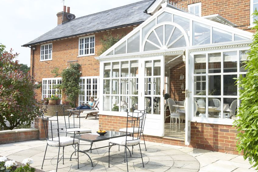 Capturing the last rays of Autumn with a conservatory