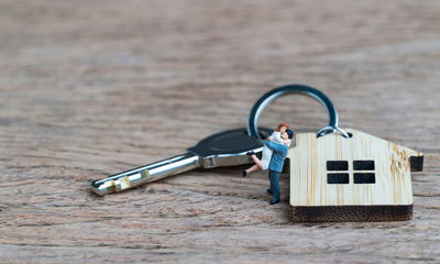 1 in 10 adults own a second home in the UK