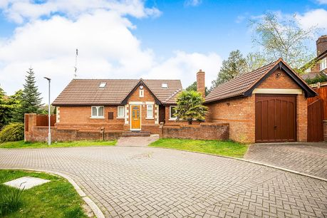 House for sale in Abbots Knoll with Reeds Rains