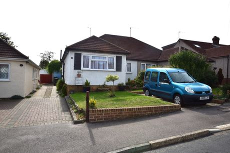 House for sale in Sutton At Hone with Reeds Rains