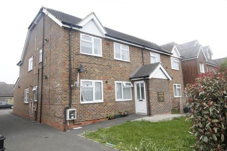 House for sale in TW16 with Your Move