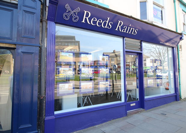 Reeds Rains Crook External